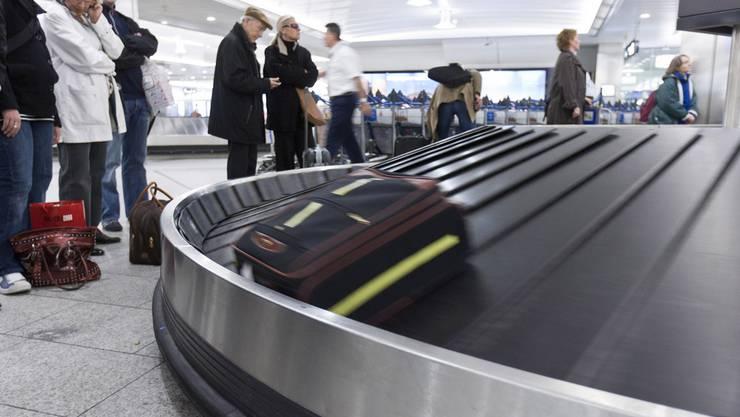 Die neue Anlage, die für 500 Millionen Franken gebaut wird, soll 35 Prozent mehr Gepäck bewältigen können als die bisherige. (Themenbild)