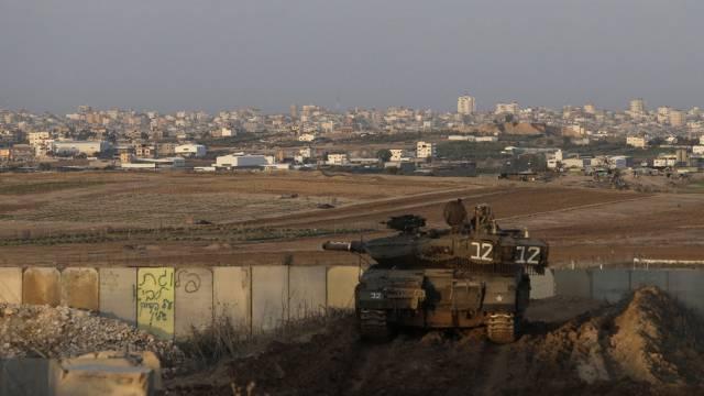 Israelischer Panzer an der Grenze zum Gazastreifen (Archiv)