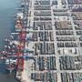 Der Hamburger Hafen ist der drittgrösste Europas.