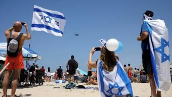 Israel feiert zurzeit 70 Jahre Staatsgründung – und wie! Mit Musik, Feten und mit einer landesweiten Flugschau.