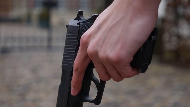 Alban K. feuerte am 5. Februar 2016 mit einer Pistole auf dem Areal einer Thaler Firma drei Schüsse ab (Themenbild)