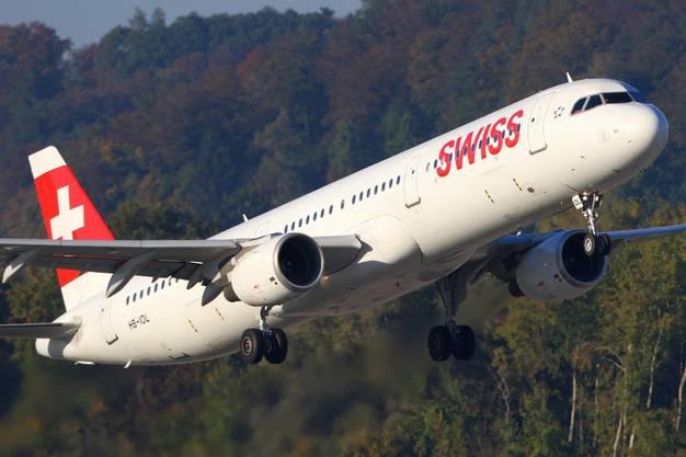 Beim Landeanflug eines A321 auf Zürich fiel die Co-Pilotin aus. (Bild: Shutterstock)