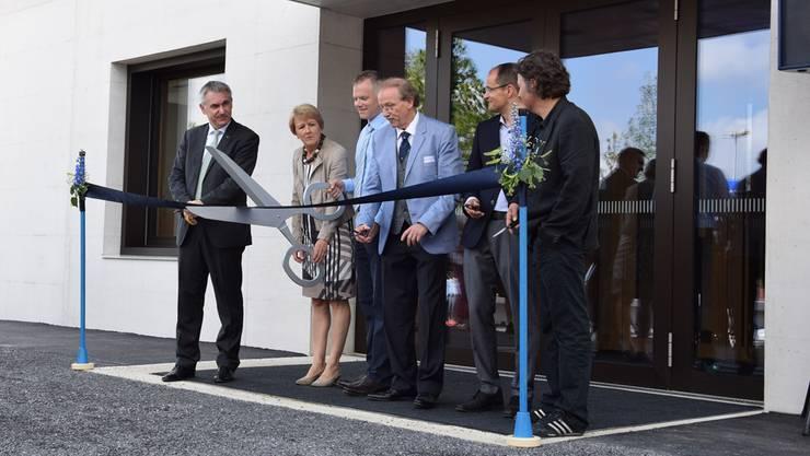 Zwei Jahre und zehn Tage nach der Grundsteinlegung konnten die Verantwortlichen das neue Gemeindehaus feierlich einweihen. Cornelia Schlatter