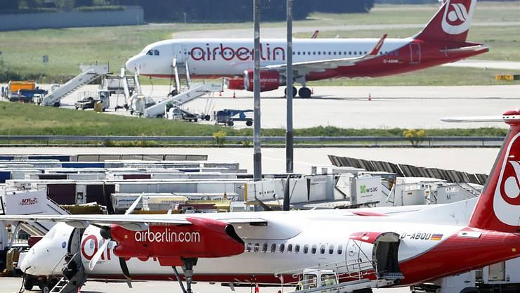 Wer von einem EU-Flughafen abfliegt und seinen Anschlussflug in einem Land ausserhalb der EU verpasst, hat das Recht auf eine Entschädigung. Dies aber nur, wenn die beiden Flüge Teil einer einzigen Buchung waren, hat der EU-Gerichtshof in Luxemburg am Donnerstag entschieden.