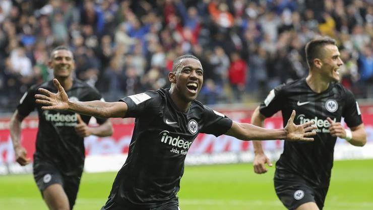 Gelson Fernandes spielt mit Eintracht Frankfurt eine grossartige Saison und strahlt nur so vor lauter Glück.