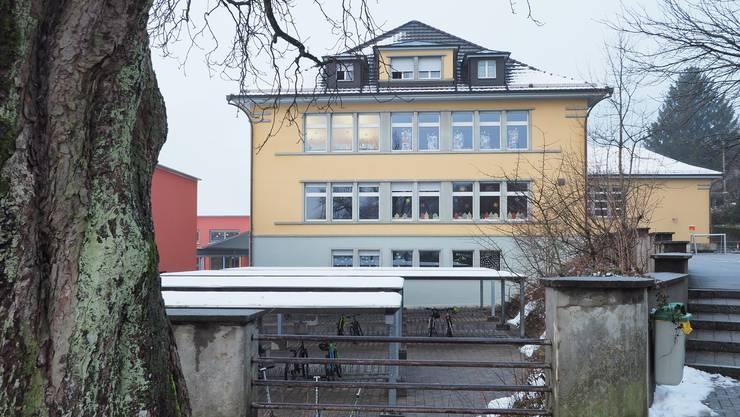 Die ins Alter gekommene Heizung im Schulhaus Oberdorf in Oensingen soll wegen der Gafahr eines Totalausfalls im nächsten Jahr ersetzt werden.