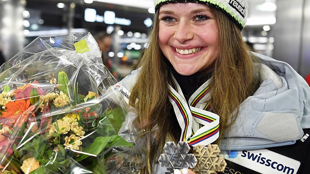 Medaillengewinnerin Corinne Suter zurück in der Schweiz