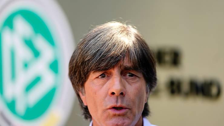 Bundestrainer Joachim Löw steht nach dem frühen Ausscheiden mit der deutschen Nationalmannschaft an der WM in Russland unter Druck
