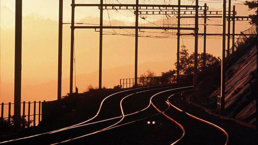 Die Bahnstrecke Olten-Luzern ist seit Mittwochabend unterbrochen. (Symbolbild)