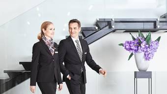 Die Models machen's vor: So haben die Filialmitarbeiter der Basler Kantonalbank in Zukunft auszusehen.