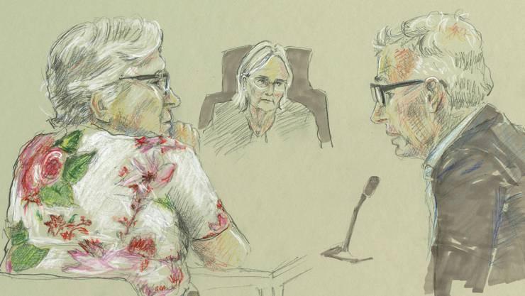 Alice F. (links) stand am Montag in Basel für den Mord am siebenjährigen Ilias vor Gericht. Weder Gerichtspräsidentin (Mitte) noch psychiatrischer Gutachter (rechts) konnten zu ihr vordringen.