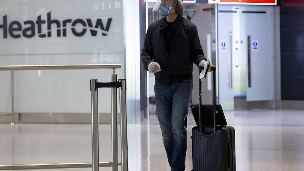 Engländer müssen in Geschäften nun auch Masken tragen