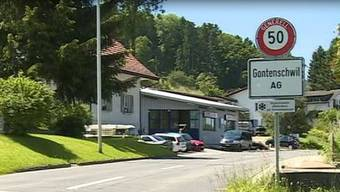 Im Schulhaus von Gontenschwil finden Referate und eine Podiumsdiskussion statt.
