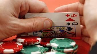 Pokerturniere mit kleinen Einsätzen sollen erlaubt sein. (Symbolbild)