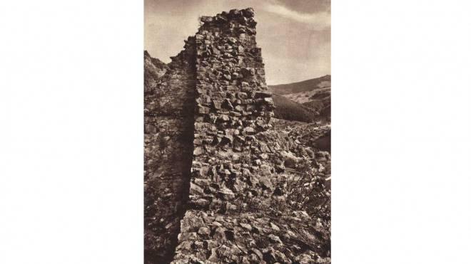 Auch auf historischen Aufnahmen sind es bloss noch Mauerreste, die von der Burg Witwald zeugen. Foto: ZVG