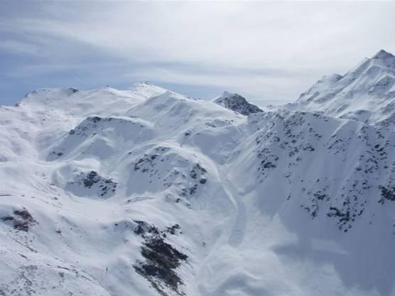 Blick auf den Lawinenkegel an der Montagne de la Nava.