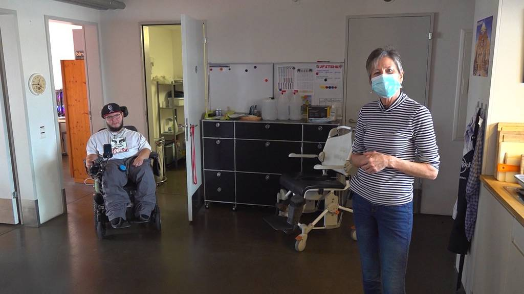 Wohnen mal anders: Die Rollstuhl-WG mit 12 Angestellten