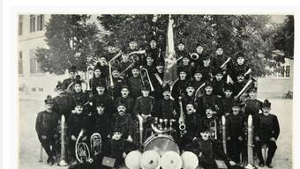 Ein Bild von der Musikgesellschaft Harmonie Gerlafingen aus dem Jahr 1919.
