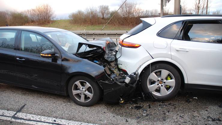 Am Mittwoch, 25. Dezember, ereignete sich auf der Autobahn A2 bei Egerkingen ein Auffahrunfall zwischen zwei Autos.