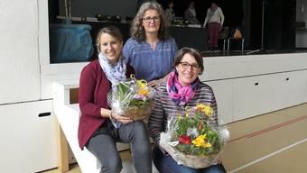 Nicole Villiger (links) ist neues Vorstandsmitglied; Präsidentin Ursula Brunner (Mitte) dankte der zurückgetretenen Susanne Müller für ihr elfjähriges Engagement.