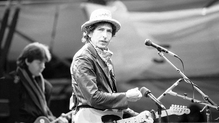 Immer wieder in der Schweiz: Bob Dylan beim Konzert am 1. Juni 1984 in Basler St.-Jakob-Stadion.