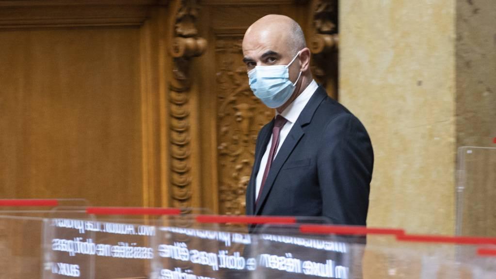 Gesundheitsminister Alain Berset dürfte heute erklären, was der Bundesrat bezüglich der Gratistests entschieden hat. (Archivbild)