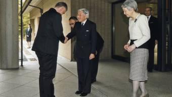 Der japanische Kaiser Akihito empfängt Bundespräsident Burkhalter