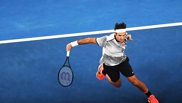 Roger Federer schwingt das Racket mit der nötigen Gelassenheit