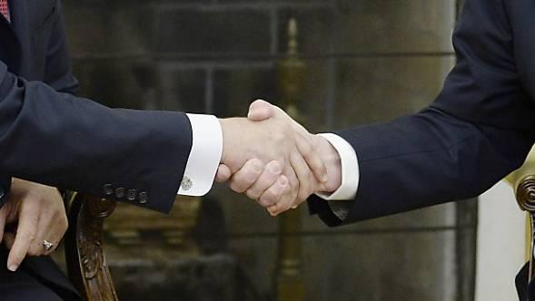 Neues Kapitel in der Handschlagaffäre: Der Regierungsentscheid vom 16. Mai kommt vors Kantonsgericht. (Symbolbild)