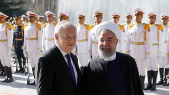 Als die weltpolitische Lage noch eine andere war: Johann Schneider-Ammann (links) zu Besuch bei Hassan Rohani.
