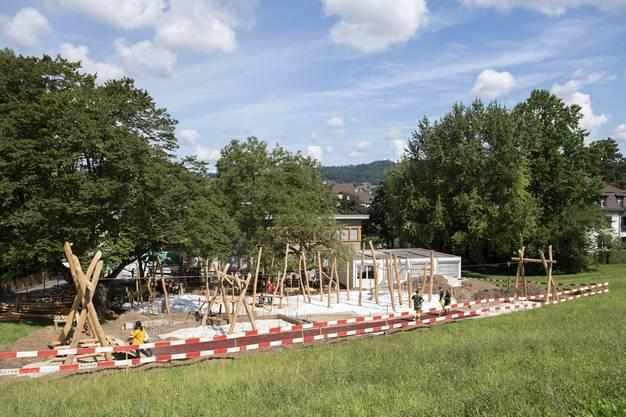 Der Spielplatz soll nach den Herbstferien freigegeben werden.