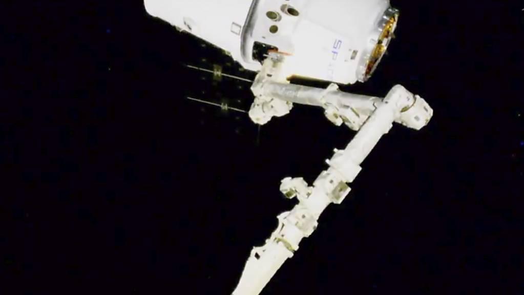 Die Nasa will am Donnerstag einen weiteren Roboter ins All schicken. (Symbolbild)
