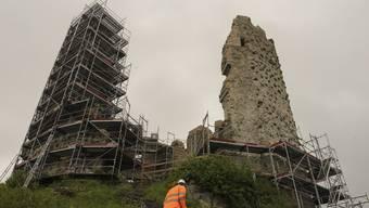 Die Sanierungsarbeiten an der Ruine Pfeffingen waren und sind noch bis 2018 die wichtigste Baustelle der Baselbieter Archäologie.