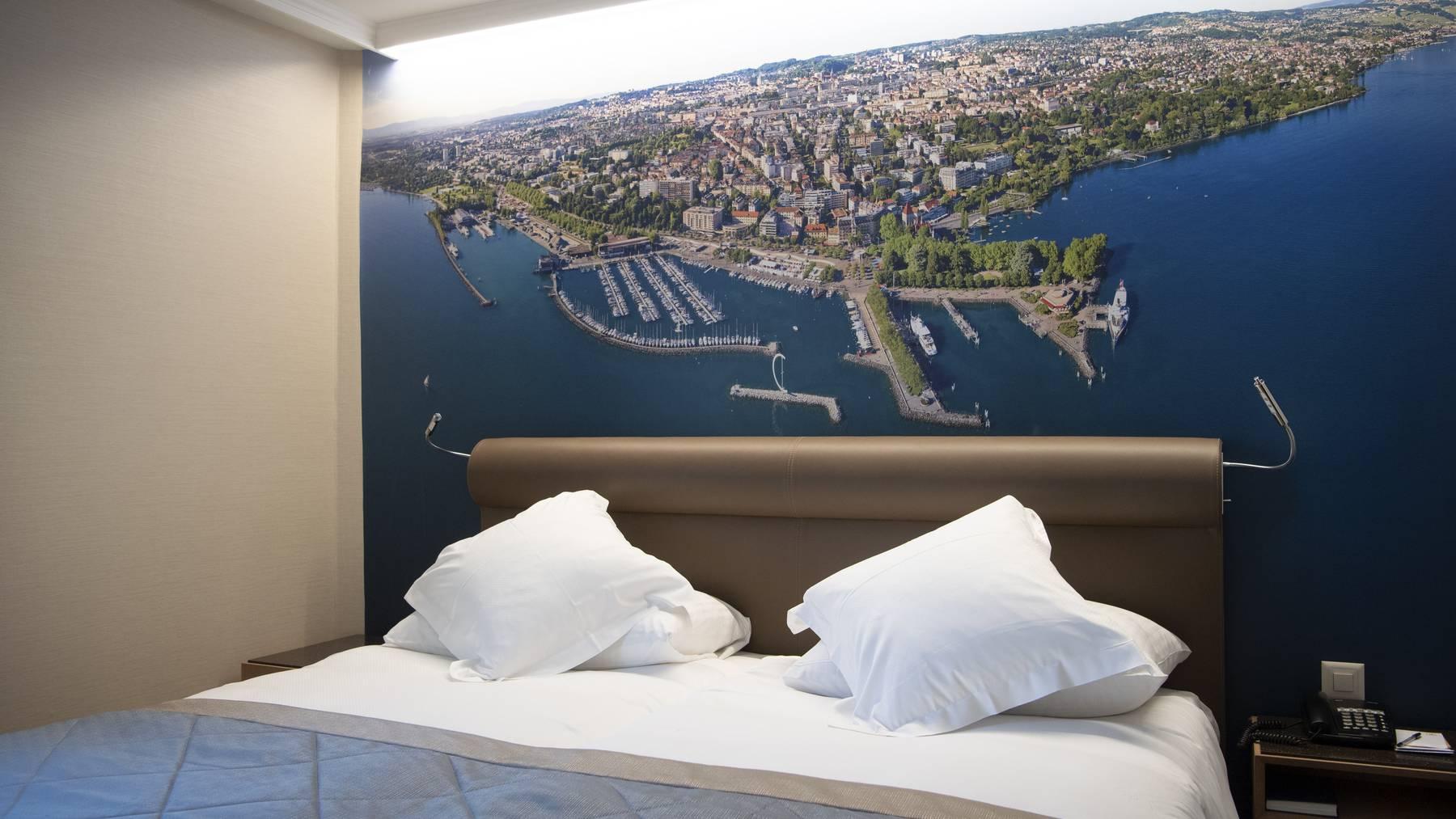 Der Waadtländer Kantonshauptort Lausanne – hier aufgenommen als Bild in einem Hotelzimmer.