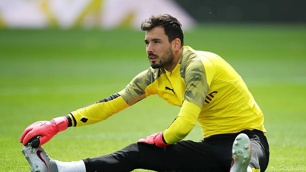 Dortmund-Torhüter Roman Bürki erkennt Unterschiede zwischen der Schweiz und Deutschland in der Corona-Frage und blickt zurück auf die Bundesliga-Saison