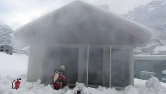 Ein Brand in einer Transformatorenstation in Haslen GL hat am Sonntagmorgen kurzzeitig für einen Stromausfall gesorgt.