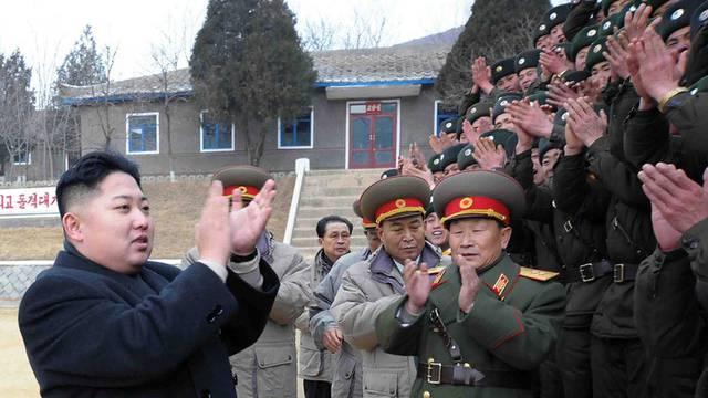 Kim Jong Un auf Truppenbesuch