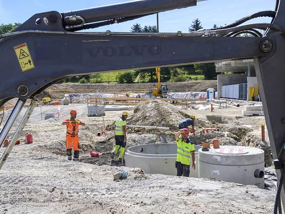 Auf exponierten Baustellen im Kanton Waadt dürfen die Arbeiter zwischen 13 und 17 Uhr eine Hitzepause machen.