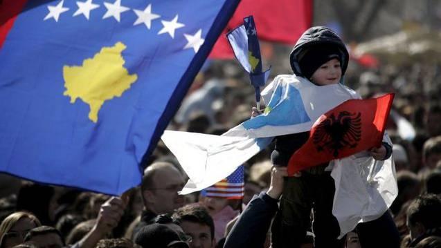 Kosovos Fussball-Nationalmannschaft könnte ihre Qualifikationsspiele für die Fussball-WM in Albanien austragen müssen. Ob das den Fans gefällt? (Themenbild)