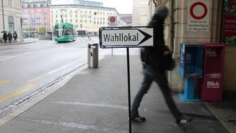 Zumindest eines haben Baselland und Basel-Stadt gemeinsam: In beiden Kantonen bricht die Mitte weg.