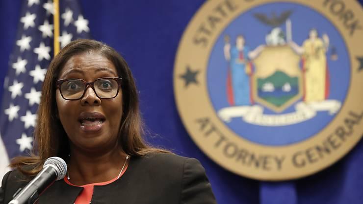 Nach 18-monatigen Ermittlungen erhebt die Generalstaatsanwältin des US-Bundesstaats New York, Letitia James, Anklage gegen die mächtige Waffenlobby-Organisation NRA (National Rifle Association), um ihre Auflösung zu erreichen. Foto: Kathy Willens/AP/dpa