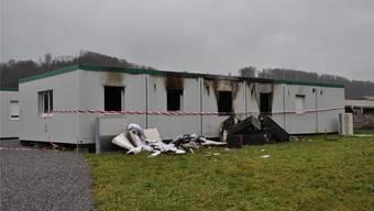 Der ausgebrannte Wohncontainer ist nicht mehr bewohnbar.