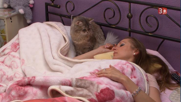 Isabel schläft top gestylt