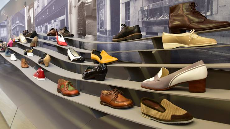 Bally-Schuhe im Wellengang der Geschichte.