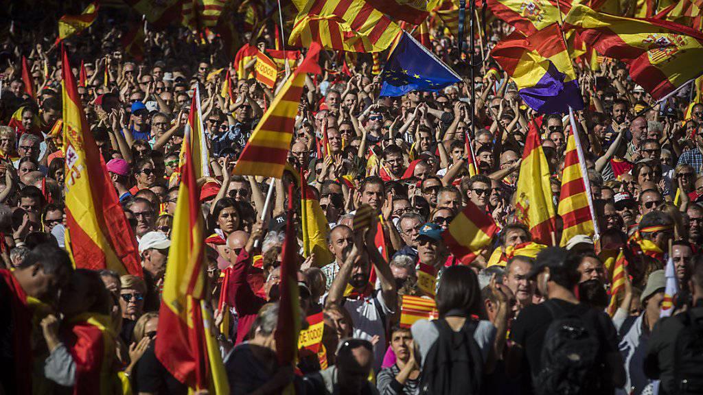 Der Protestmarsch stand unter dem Motto «Katalonien - das sind wir alle». Es war eine der grössten Kundgebungen für die Einheit des Landes seit Beginn des Streits.