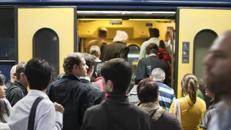 Im Zürcher Oberland kam es am Neujahrstag zu Störungen im Bahnverkehr. (Symbolbild)