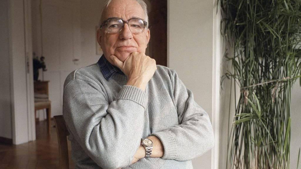 Familie, Freunde, Weggefährten und die Bevölkerung haben am Donnerstag im Berner Münster Abschied genommen vom Pfarrer und Autor Kurt Marti. Wie von ihm gewünscht war es ein Dank- und kein Trauergottesdienst. (Archivbild)