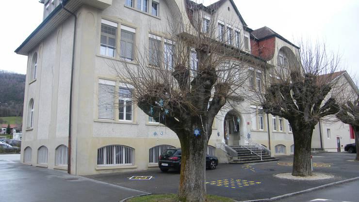 Das Schulhaus Linden in Laupersdorf