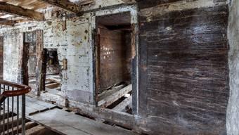 """Das älteste Holzhaus im Kanton Uri ist ein ehemaliges Gasthaus. Der """"Ochsen"""" in Flüelen an der Dorfstrasse 3 stammt aus dem Jahre 1327."""