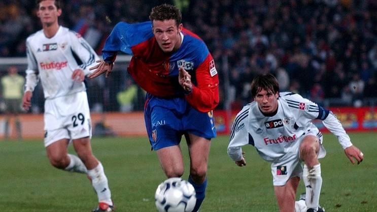 Der junge Marco Streller schiesst in der Saison 2002/04 13 Tore in 16 Spielen für den FC Basel.